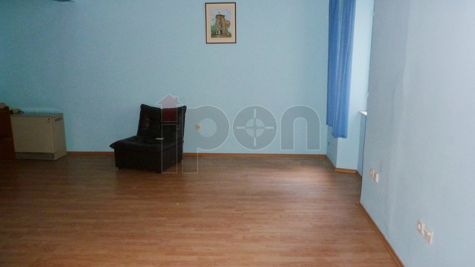 Commercial Property, 45 m2, For Rent, Rijeka - Centar