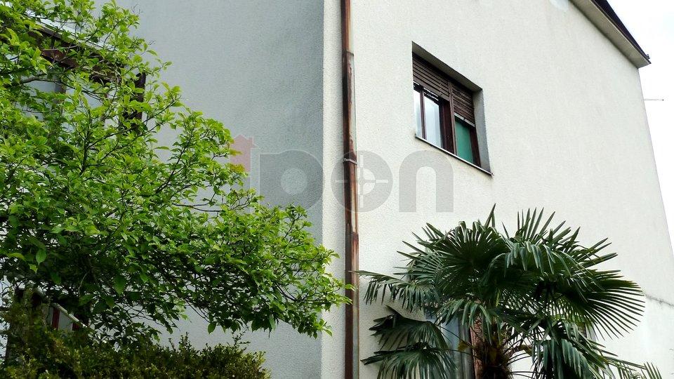 Bivio, kuća sa dva stana, pogled, blizina mora
