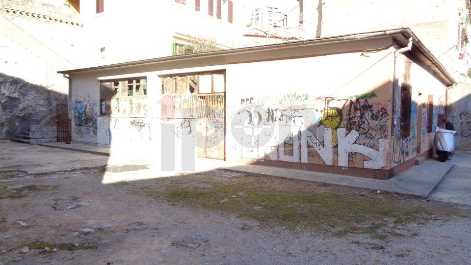 Commercial Property, 249 m2, For Sale, Rijeka - Mlaka