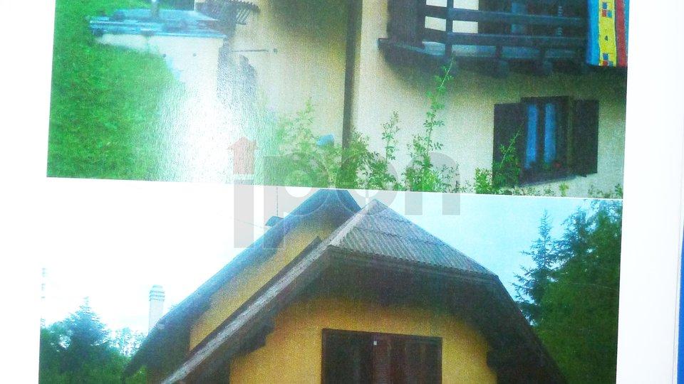 Moravice, kuća P+1+potkrovlje sa velikom lijepom okućnicom