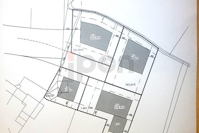 Rovinj, građevinsko zemljište površine 4.100 m2 za višestambenu izgradnju