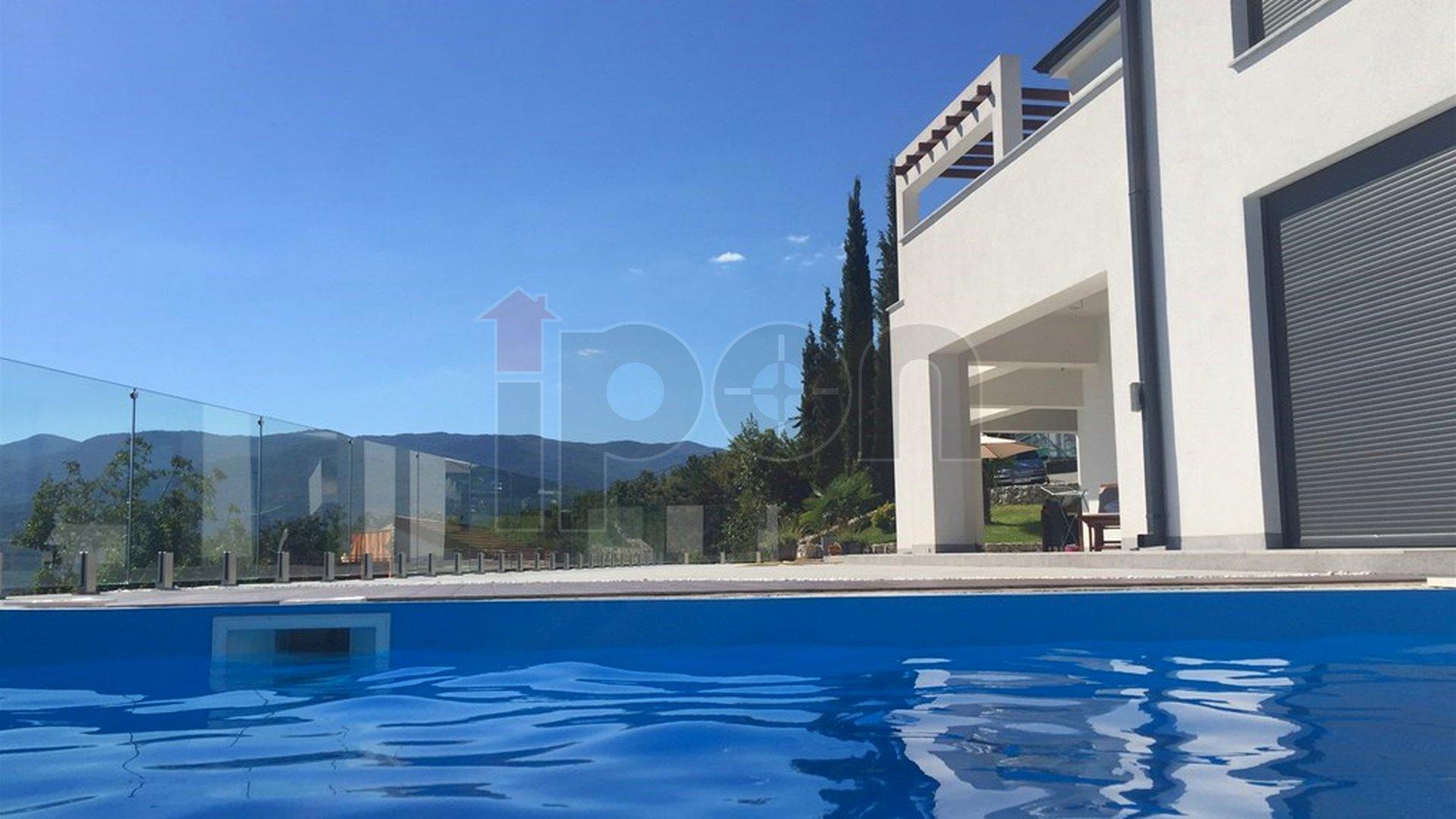 Haus, 400 m2, Verkauf, Rijeka - Martinkovac
