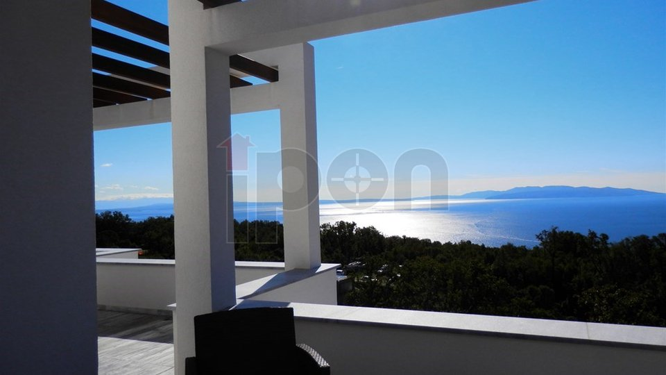 House, 400 m2, For Sale, Rijeka - Martinkovac