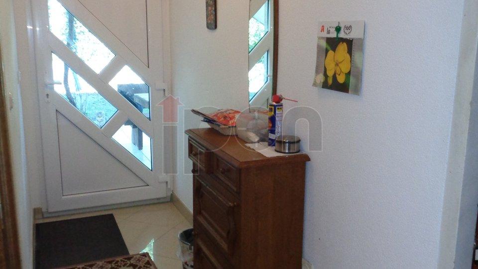 Gornja Vežica, etaža  2S+DB, sa prilazom bez stepenica ! Odmah useljivo! 2 etaže za 300000€ !