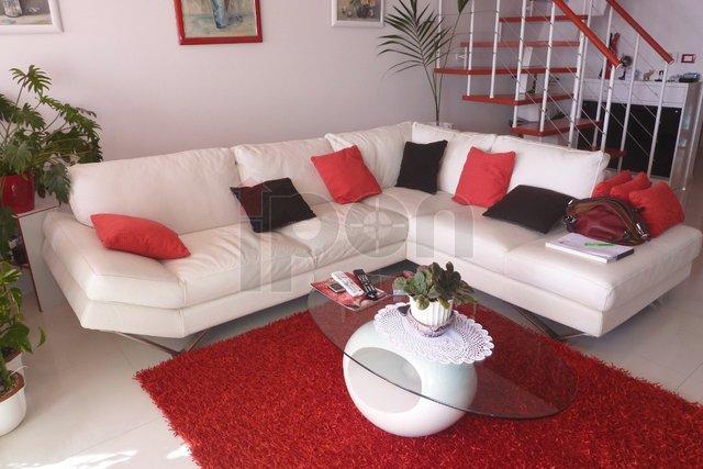 Marčeljeva Draga, ekskluzivan dvoetažni stan sa prekrasnim pogledom, garažom i parkirnim mjestom