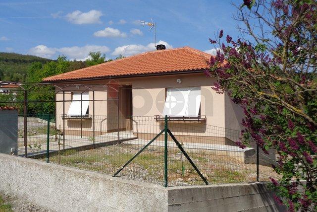 Klana-okolica, nova samostojeća kuća sa kompletnim namještajem.