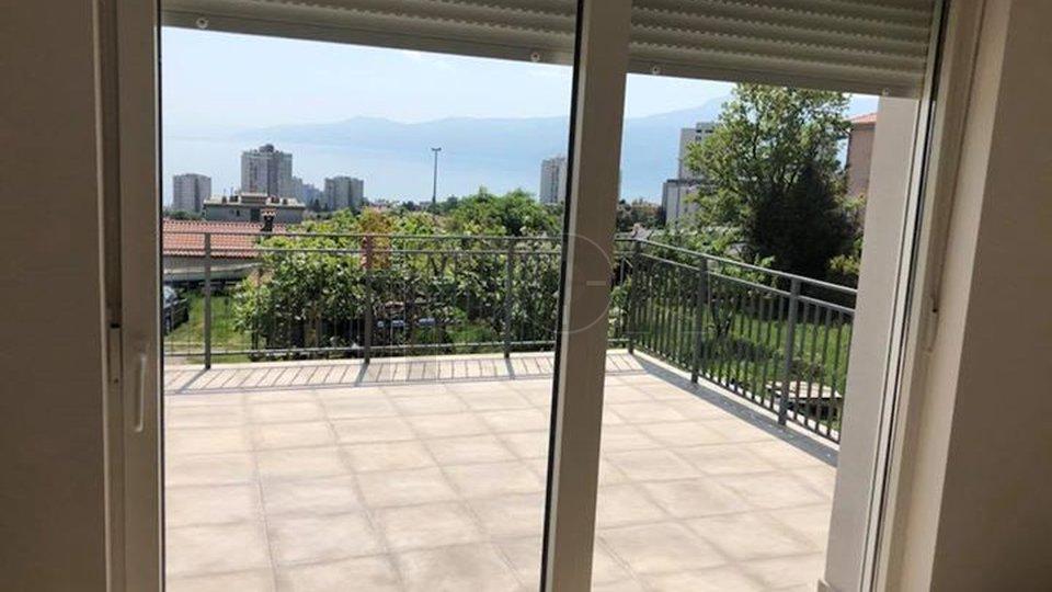 Zamet G. uređena etaža kuće sa velikom balkon-terasom. Pogled na more ! Odmah useljivo!