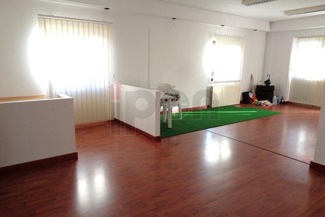 Casa, 112 m2, Affitto, Rijeka - Zamet