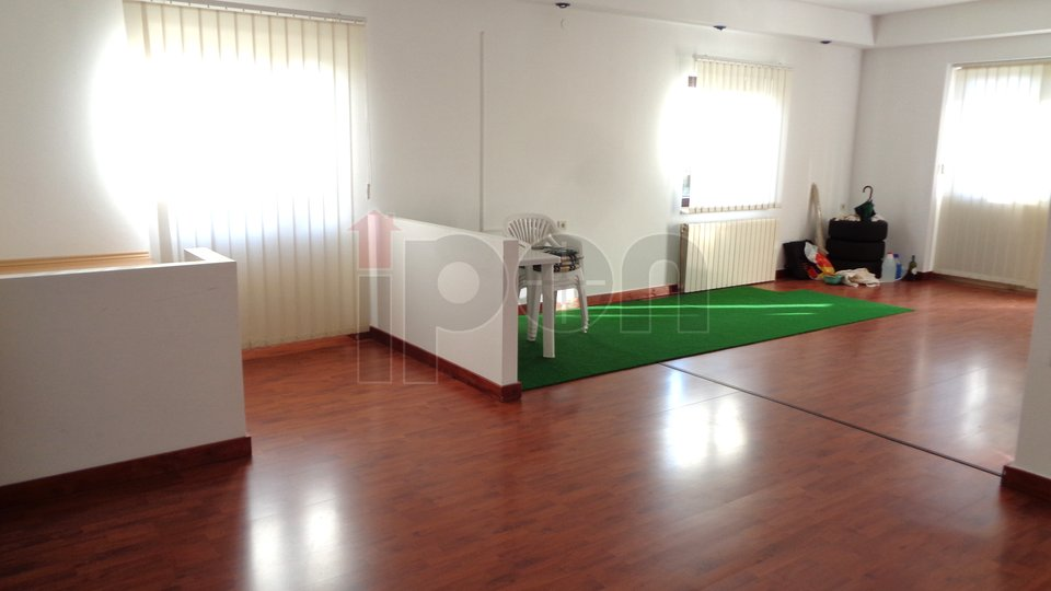 Hiša, 112 m2, Najem, Rijeka - Zamet