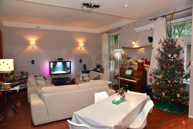 Belveder, vrlo prostran i lijepo uređen stan sa balkonom ! PRILIKA !!!