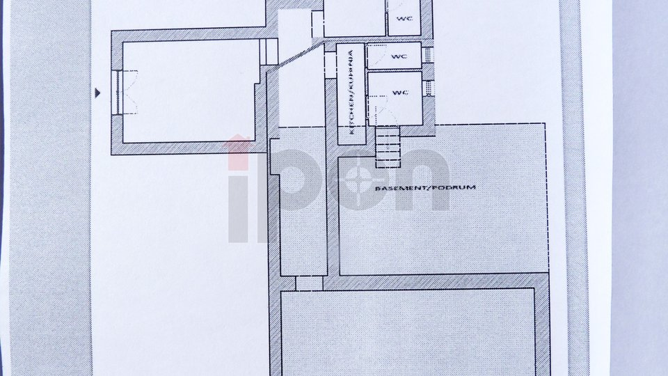Commercial Property, 100 m2, For Sale, Rijeka - Centar