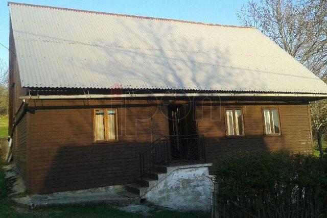 Gorski Kotar, stara goranska kuća, samostojeća sa velikom pripadajućom okućnicom!