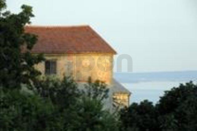 House, 180 m2, For Sale, Grobnik