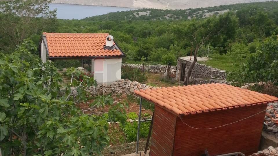 Jadranovo-okolica,  uređena kućica sa pogledom na more