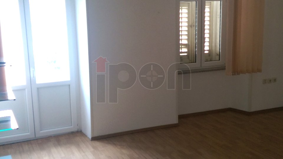Commercial Property, 63 m2, For Rent, Rijeka - Centar