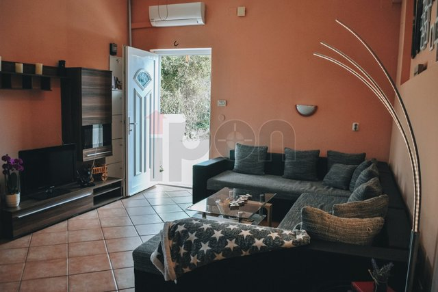 Trsat, dvoetažni stan stan suteren + prizemlju kuće u blizini Kampusa
