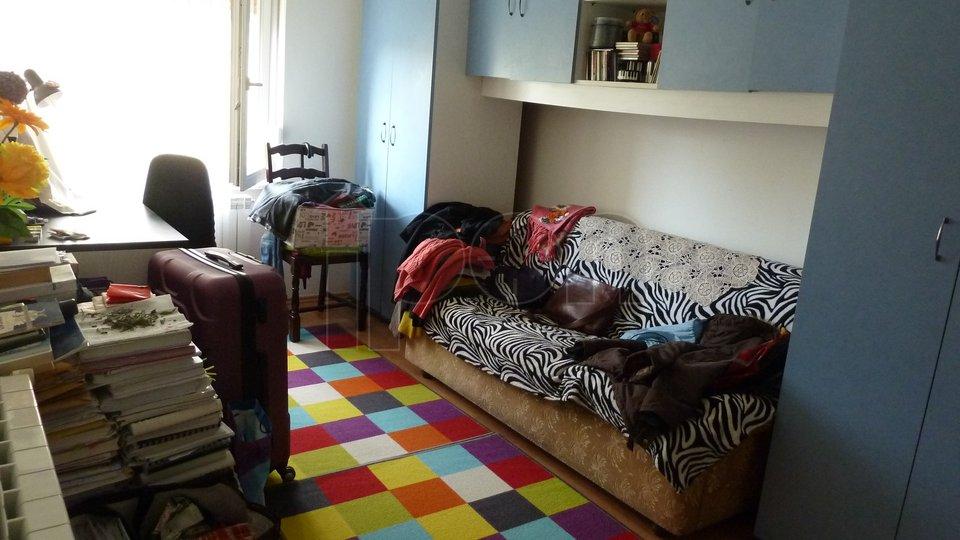 Donja Vežica, uredan i useljiv stan, prodajemo!