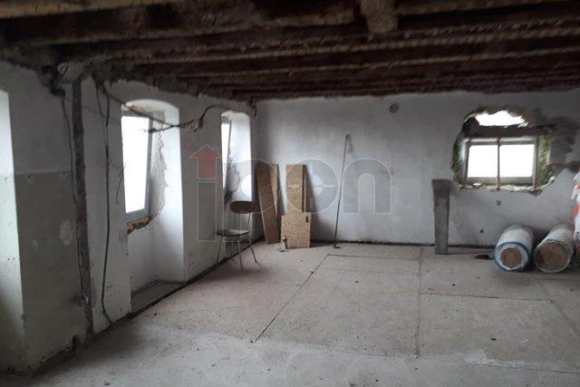 House, 100 m2, For Sale, Rijeka - Gornja Vežica