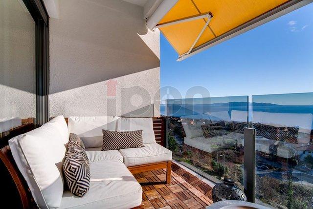 Rešetari, predivan 3s+db sa panoramskim pogledom na more. LIFT !  HITNA PRODAJA!