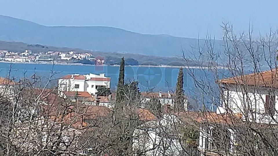 Malinska, stan 1S+DB sa velikom lođom i pogledom na more
