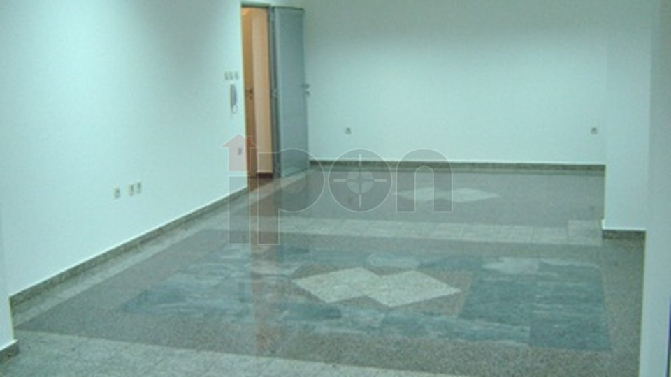 Commercial Property, 143 m2, For Rent, Rijeka - Pehlin
