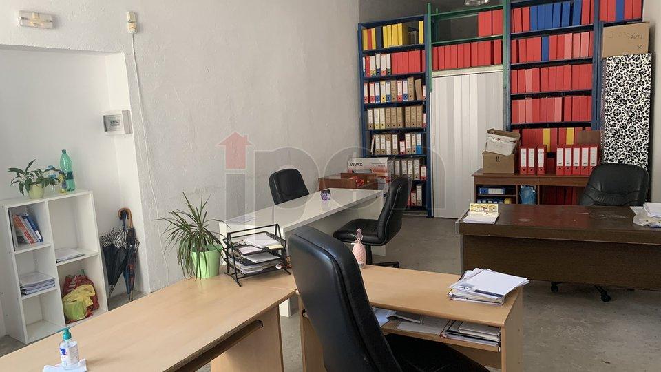 Centar, poslovni prostor sa izlogom