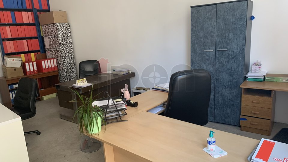 Commercial Property, 29 m2, For Rent, Rijeka - Centar