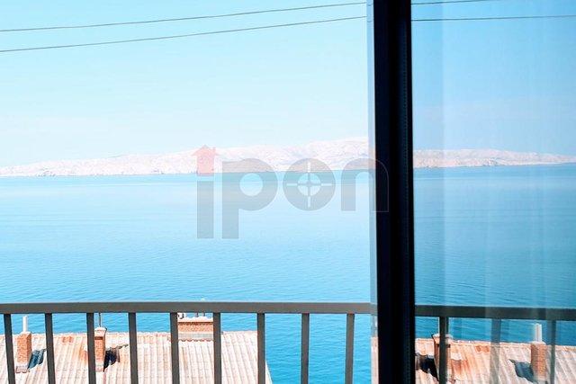 Senj, odličan stan sa balkonom i otvorenim pogledom na more