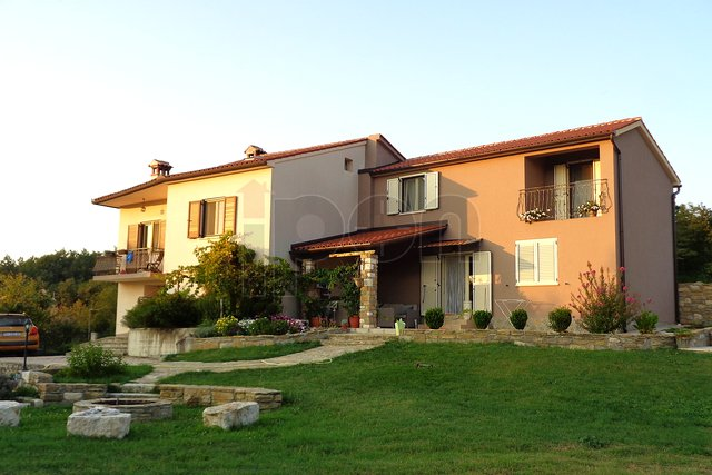 Kršan, okolica, imanje sa 2 kuće