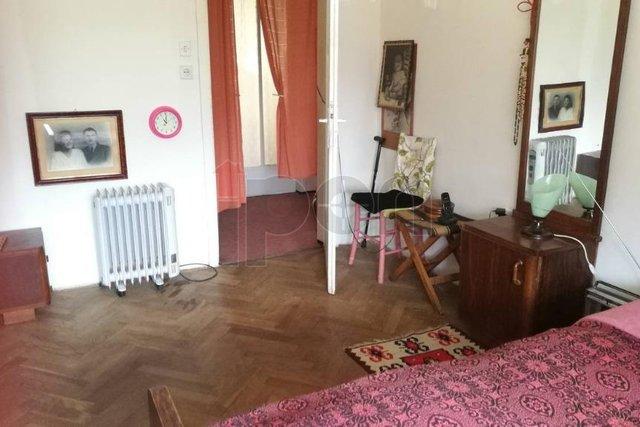 Banderovo, stan za adaptaciju 2s+db na mirnoj lokaciji