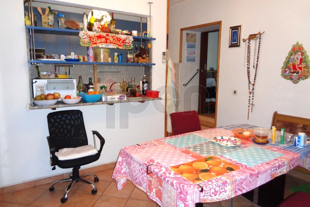 Gornja Vežica, etaža sa okućnicom i garažom