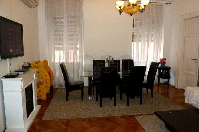 Rijeka, Centar, gospodski stan, salon
