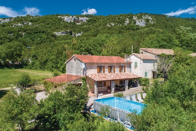 House, 146 m2, For Sale, Buzet - Roč