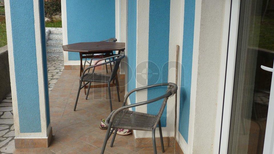 Viškovo, iznajmljue se radnicima etaža 3S+DB u prizemlju kuće