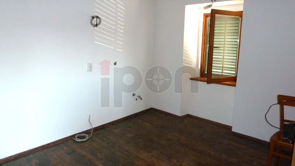 House, 120 m2, For Sale, Punat