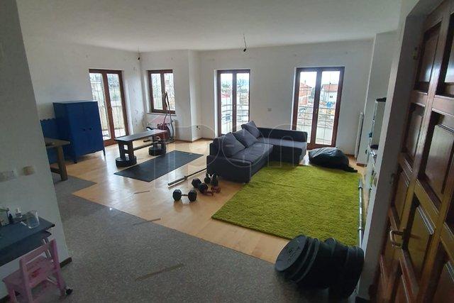 Kastav-Rubeši, kuća 3s+db, garaža i pogled na more