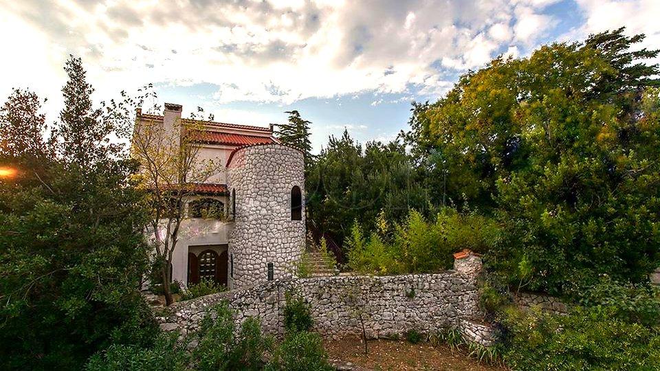 Novi Vinodolski, dvije kuće , odlična lokacija