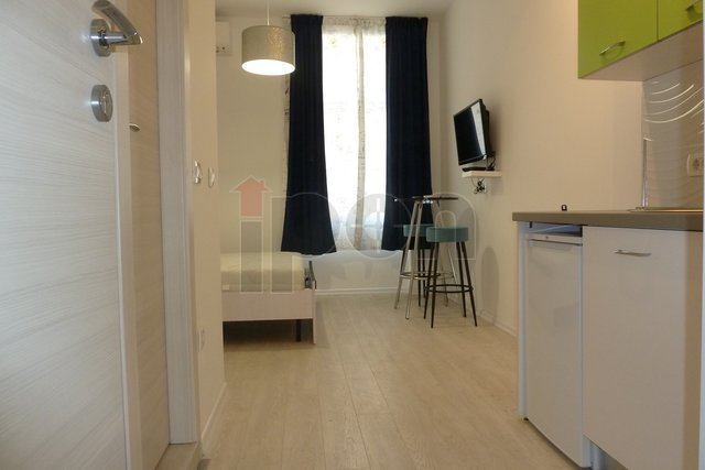 Belveder, novouređeni stan, garsonjera, u blizini centra grada i nekoliko fakulteta!