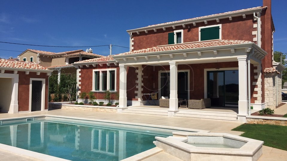 Tinjan, predivna unikatna vila u venecijanskom stilu, iznimno kvalitetna gradnja!