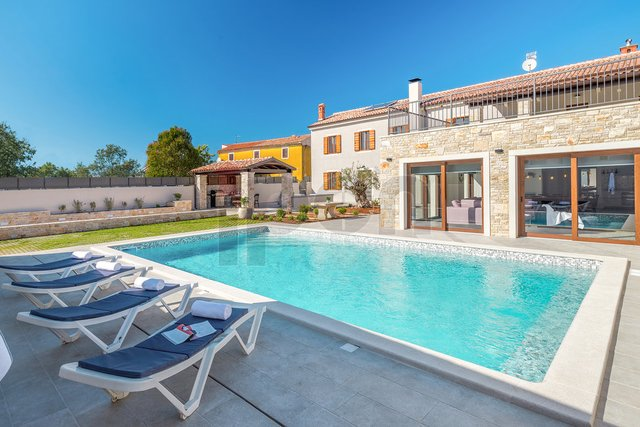 Valtura, luksuzna istarska vila, s pogledom na more!