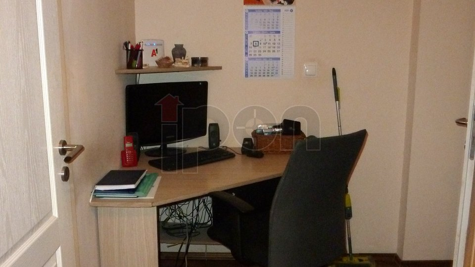 Mlaka, stan od 200 m2 podijeljen u 2 stambene jedinice