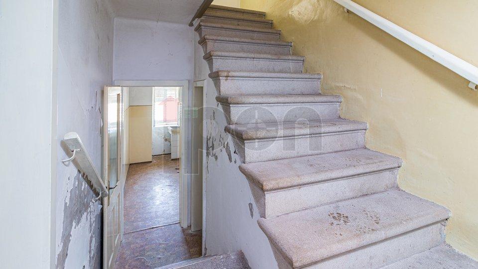 Hiša, 300 m2, Prodaja, Labin