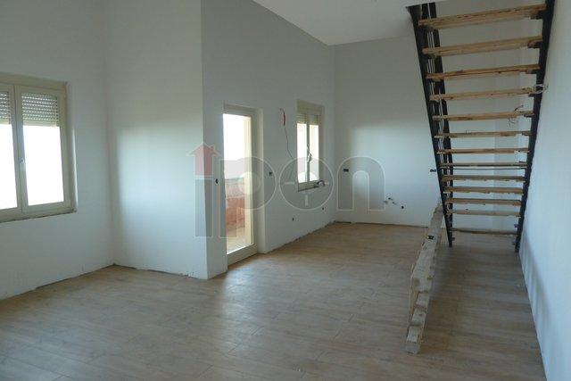 Kastav, luksuzni dvoetažni stan u novogradnji s panoramskim pogledom, garaža, visoka razina opremanja!