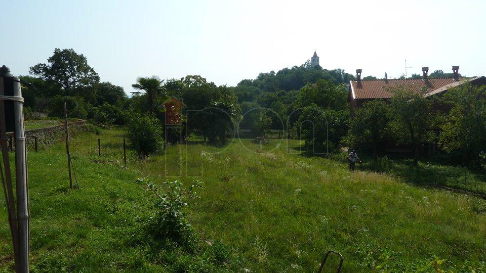 Rukavac, simpatična kuća sa 4 stana i lijepom okućnicom, blizina Opatije!