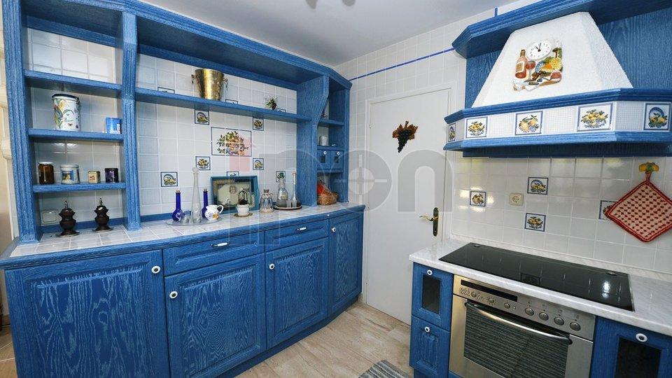 House, 400 m2, For Sale, Opatija - Ičići