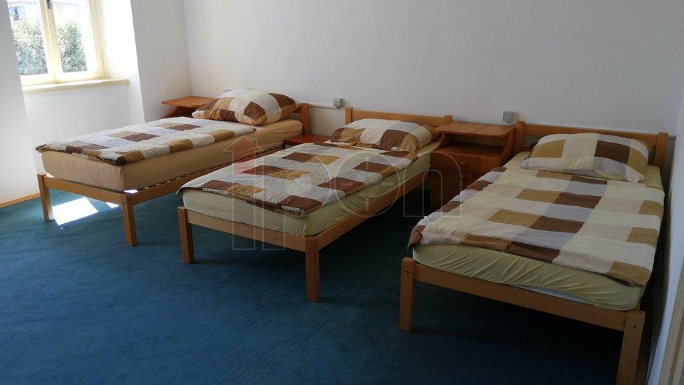 Kozala, iznajmljuje se stan sa 8 kreveta isključivo radnicima