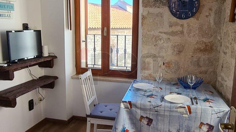 Istra, Fažana, * Investicijska nekretnina * Tradicionalna kamena kuća 50m od mora i šetnice