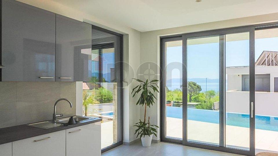 Kostrena, ekskluzivna samostojeća villa sa bazenom