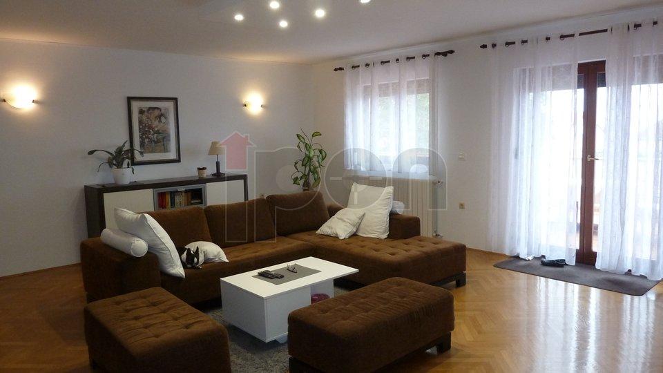 Rijeka, Zamet, luksuzni stan-etaža na lijepoj lokaciji, velika terasa, pogled na more!