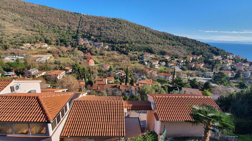 Mošćenička Draga, dvojna kuća s predivnim panoramskim pogledom